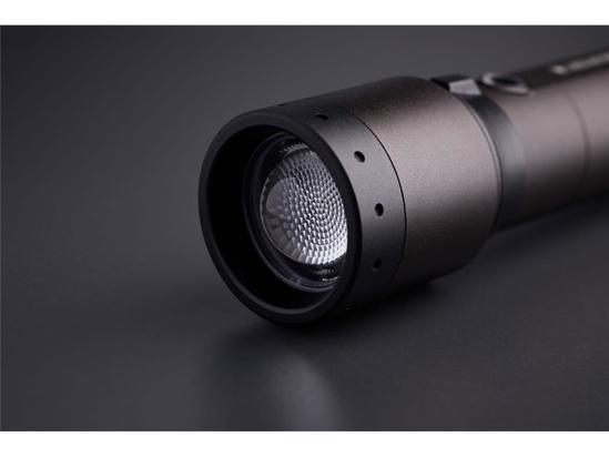 Picture of LED LENSER svetilka 502190 P7R SIGNATURE